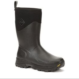 Muck Boots Arctic Ice Short Boot in Black