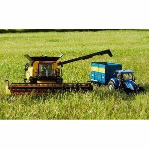 Britains Diecast New Holland Combine Harvester - 43192