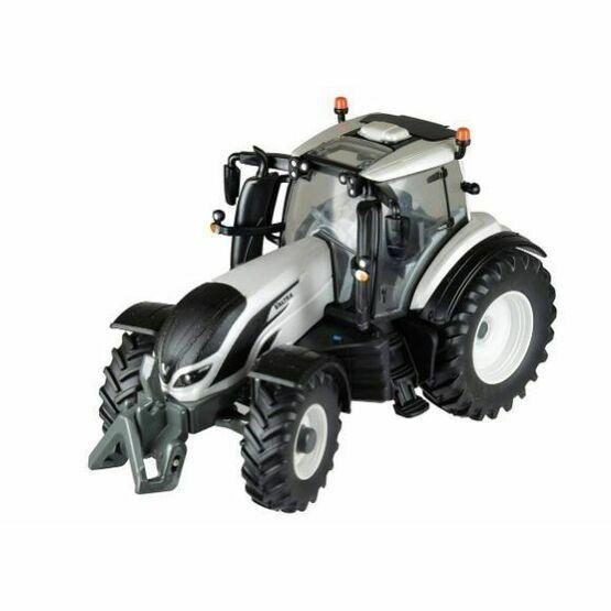 Britains 1:32 Valtra T4 Tractor Model