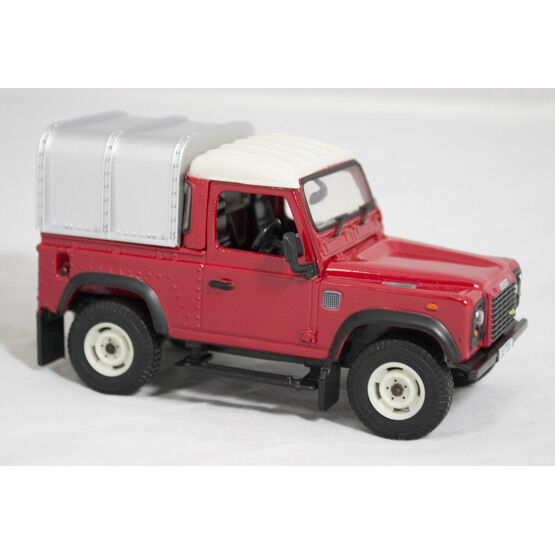 Britains Land Rover Defender Model Toy 1:16 - Red